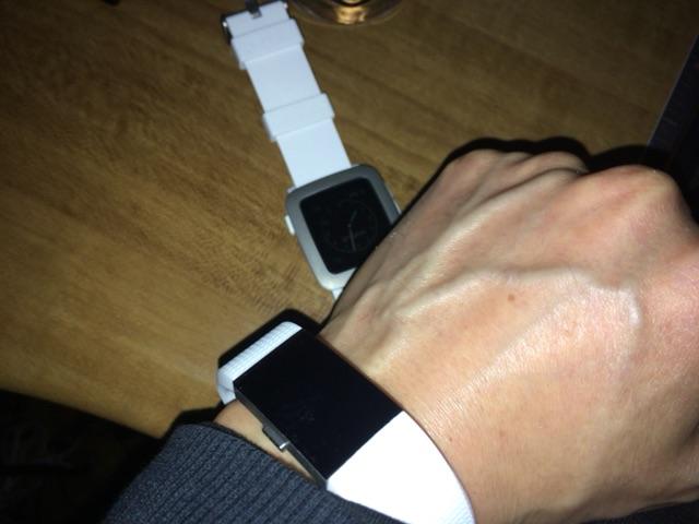 Pebble TimeとFitbit Charge2の併用体制、その後